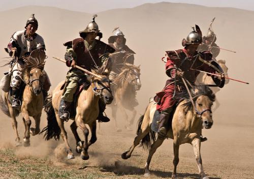몽골족이 어떻게 100만 인구로 2억을 지배할 수 있었을까?
