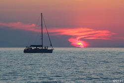 그리스 산토리니 여행(9), 절대 놓칠 수 없는 풍경, 선셋 크루즈의 환상적인 석양