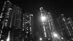 깊은밤 빌딩숲
