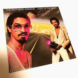 브라더스 존슨 (Brothers Johnson) - LIGHT UP THE NIGHT (1980)