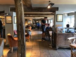 The Trout Inn, 옥스포드 템즈강변의 유명한 펍