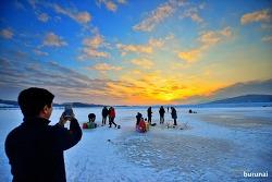 겨울철에만 할 수 있는 얼음판 위의 빙어낚시^^ Sunset
