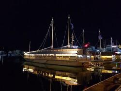 통영 중앙시장 거북선 :: 문화마당 앞바다 야경 구경