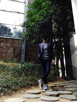[남자 세미정장 코디 스타일] 남자 캐주얼 정장 코디 [지이크] 자켓 with 남자 슬랙스 운동화 코디