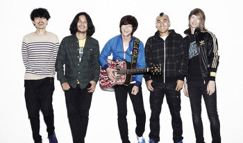 록밴드 YB, 2014 파주 포크페스티벌서 포크그룹으로 깜짝 변신