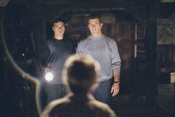 영화 '싸인 Signs, 2002' 멜 깁슨에게 신앙을 되돌려준 징후들