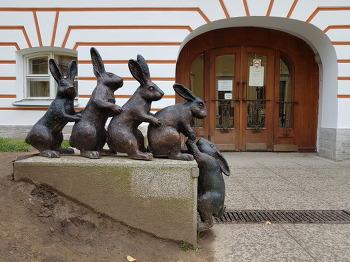토끼섬에 러시아 로마노프 역대 황제들이 잠들어 있다