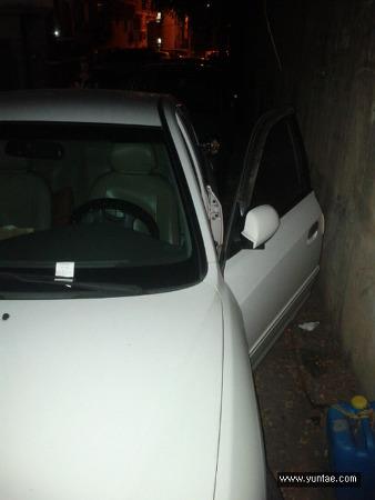 야간 주차, 차문 활짝 열어놓은  차주...알고 보니