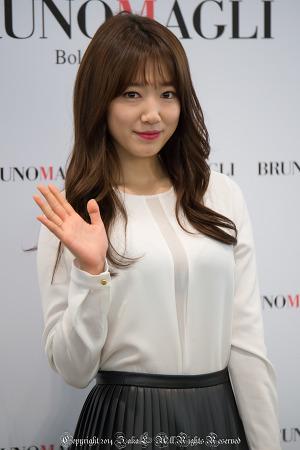 박신혜 팬사인회(브루노말리 완판 기념) in 신세계