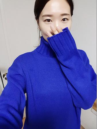 여자 니트 브랜드 이쁘고싼옷 1+1 루즈핏 니트티 겨울 커플니트 목폴라 안사면후회할껄~