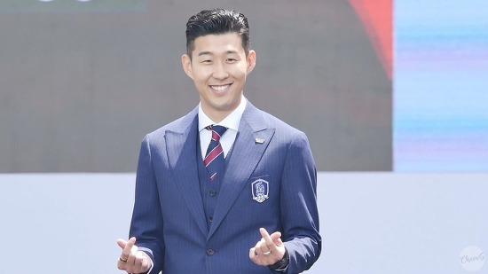 '우리흥' 손흥민의 귀여운 쌍하트 러시아 월드컵 출정식 런웨이 직캠 (Son Heung Min Fancam)