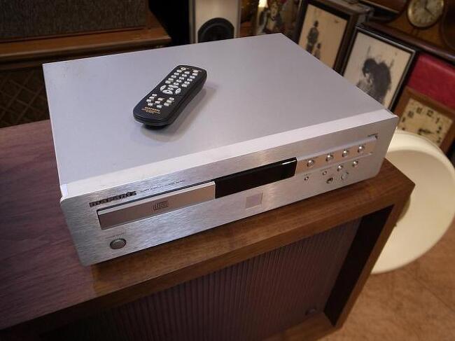 마란츠 보급형 베스트셀러 SA-7001 CD 플레이어 입니다. -리모컨포함-
