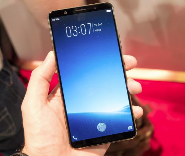 2018년 스마트폰 시장에서 눈여겨 봐야할 3가지 : 갤럭시X, LCD아이폰X, 지문인식센서.