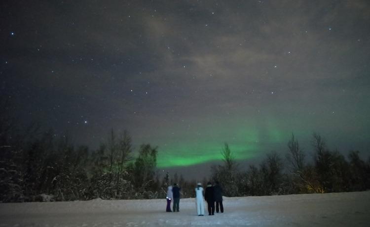 11월 [알래스카 오로라 체이스] 11월 19일, 구름으로 덮은 페어뱅크스 밤 하늘에 떠 오른 오로라 [알래스카 겨울 여행]
