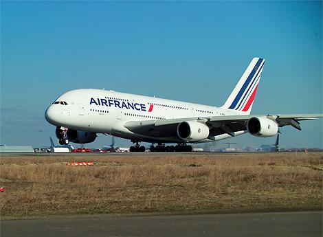 크기만큼이나 효율성을 강조한 A380 여객기