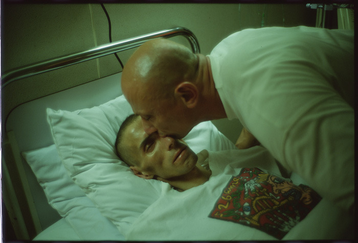 Nan goldin <gotscho kissing gilles> Paris, 1993