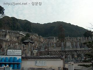 야사카 진자 주변의 공동묘지(?)