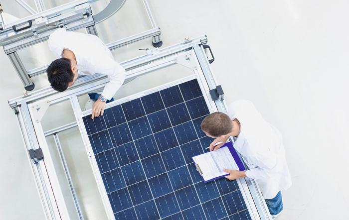 한화, 한화블로그, 한화데이즈, 한화그룹, 기후 변화, 화석연료 고갈, 대체에너지, 재생 가능에너지, 태양광, 태양광에너지, 에너지, 태양광 단점, 태양광 발전, 대정전, Black Out, 예비전력, 전력난, 전력 피크타임, 에너지저장시스템, ESS, 에너지 발전, 송전, 태양광발전시설, 소규모 에너지저장시스템, 송배전, 태양광 시장, 유럽 태양광, 옹진군, 서해 5도, 에너지자립, 에너지 자립섬 추진협약, 한화큐셀, 태양광 모듈, 한화 S&C, 에너지관리시스템, EMS, 에너지자립섬, 연평도, 백령도, 옹진군청, 에너지 신산업 활성화 및 핵심기술개발 전략, 기후변화 대응, 에너지 안보, 수요관리, 에너지저장장치, 에너지자립섬 조성계획, 전력 피크