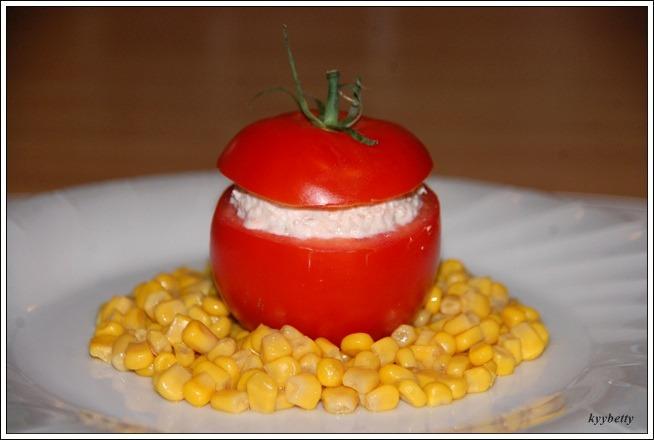 리코타와 참치를 넣은 토마토-POMODORI RIPIENI DI RICOTTA E TONNO(뽀모도리 리삐에니 디 리꼬따 에 똔노)