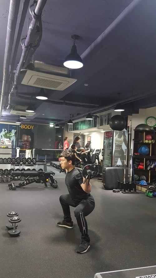 바벨 와이드 스쿼트(Barbell wide squat)