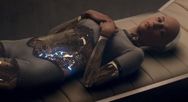 엑스마키나 (Ex Machina, 2015)  신이 만들면 인간(human)이고 인간(human)이 만들면 사이보그 (cyborg) 일까?