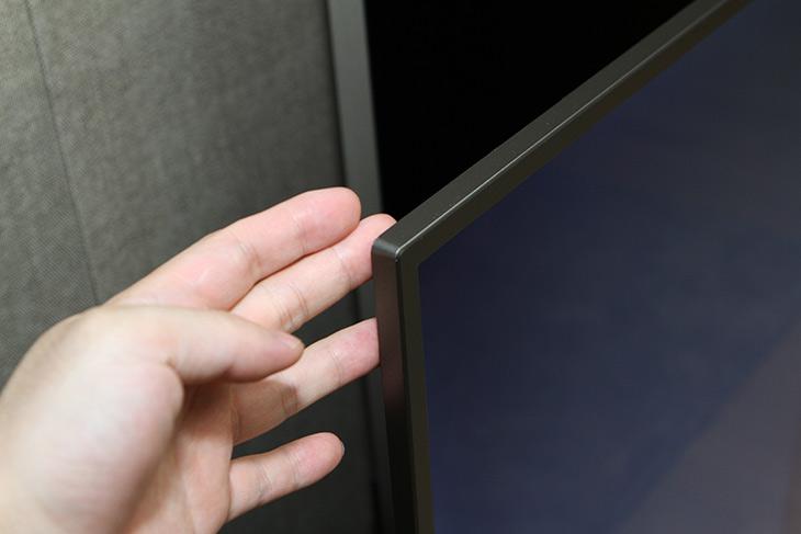 인켈TV ,K650U ,65인치 UHDTV 추천, 정품 등록 이벤트,IT,IT 제품리뷰,처음 본 느낌은 상당히 시원스럽고 선명하네요. 상당히 넓습니다. 인켈TV K650U 65인치 UHDTV 추천 및 정품 등록 이벤트에 대해서 이야기 해 볼텐데요. 지상파 UHD 방송도 되면서 UHDTV 관심이 뜨겁죠. 인켈TV K650U 65인치 UHDTV는 큰 화면을 가진 제품인데요. 물론 해상도도 UHD 해상도로 높죠. 그런데 가격이 생각보다 엄청 착하게 나왔습니다. 디자인도 깔끔하고 멋진데요. 스텐드 벽걸이 모두 설치가 가능한 형태 입니다.
