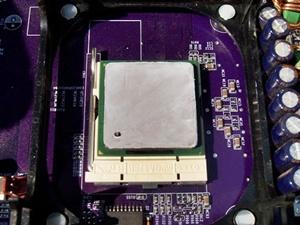 펜티엄4 CPU 써멀그리스 도포