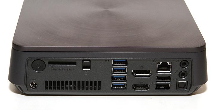 ASUS VivoPC VM62N, 벤치마크 ,미니피씨 속도,ASUS, VivoPC, VM62N,IT,IT 제품리뷰,후기,사용기,벤치마크,벤치마킹,인터넷 속도,디자인,후기,저장장치,SSD,아수스,에이수스,ASUS VivoPC VM62N 벤치마크를 해볼텐데요. 미니피씨 속도에 대해서 살펴보는 시간 입니다. 데스크탑 컴퓨터는 없어지는게 아니라 점점 작아지고 있다고 예전에 글을 적은적이 있는데요. 최근에는 데스크탑 컴퓨터보다 용도에 맞게 미니피씨를 쓰는 경우가 많습니다. ASUS VivoPC VM62N는 외형이 상당히 세련된 제품인데요. 컴퓨텍스에 직접 가서 봤을 때에도 금속제품처럼 생긴 외형때문에 눈길이 많이 갔던 제품입니다. 그런데 실제로 보니 금속은 아니군요. 상단 부분에는 둥근 무늬가 들어가 있어서 각도에 따라서 다른 컬러가 보여서 시원스런 느낌이 있습니다. ASUS VivoPC VM62N는 인터페이스를 모두 후면에 위치했습니다. 전원 버튼조차도 후면으로 이동을 시켜서 앞부분과 측면 윗부분에는 매끈한 디자인으로 되어있습니다. 그래서 상당히 깔끔하죠. 이런 미니피씨는 거실에 놓고 사용하기에도 인테리어용으로도 무척 좋습니다. 물론 미니피씨이므로 VESA 마운트홀을 이용해서 모니터 후면에 장착이 가능하게 되어있습니다. 프로세서의 성능도 i5-4210U로 꽤 괜찮은 편이며, 저전력 프로세서로 전력소모량도 낮은 편 입니다. 거실에서 미디어 서버용으로 사용하기에도 충분하죠. 디스플레이포트와 HDMI포트를 가지고 있어서 고해상도의 모니터나 TV에서 연결해서 사용하기에도 좋습니다. 그래픽은 HD Graphics가 있지만 추가로 Nvidia 820M도 들어가 있습니다. 물론 고사양의 게이밍은 무리 입니다. 하지만 4K 영상 재생이나 고해상도 모니터에 연결해서 사용하는것은 문제가 없죠. 그런 이유로 꽤 쓸만합니다.소음도 수준급 이었습니다. 처음에는 소음이 높지 않을까 걱정을 했으나 소음은 크게 거슬리지 않는 정도 였습니다. 아래에 측정치가 있으니 참고하세요. 저장장치를 1개의 베이에 2개를 넣을 수 있도록 해둔 특별한 베이도 맘에 들었습니다. 기본적으로 샌디스크 128GB가 들어가 있지만 추가로 고용량의 하드디스크 등을 장착해서 사용할 수 있습니다.