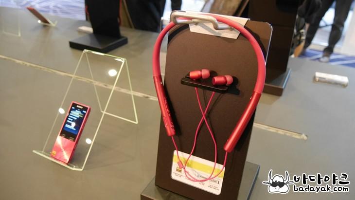 노이즈 캔슬링 블루투스 헤드폰 소니 h.ear on Wireless NC