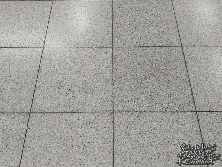 LG G6로 찍은 바닥 타일