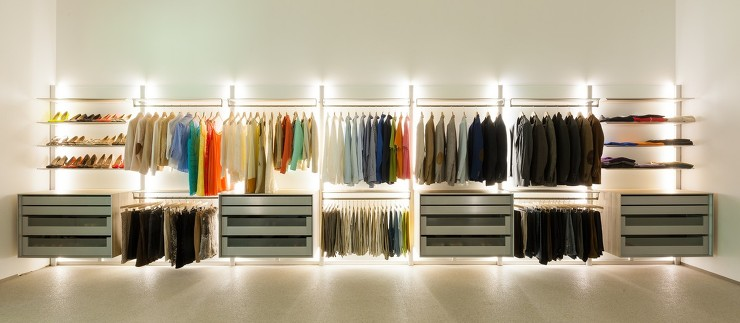 Vmd extremely versatile walk in closet dresswall by anywaydoors