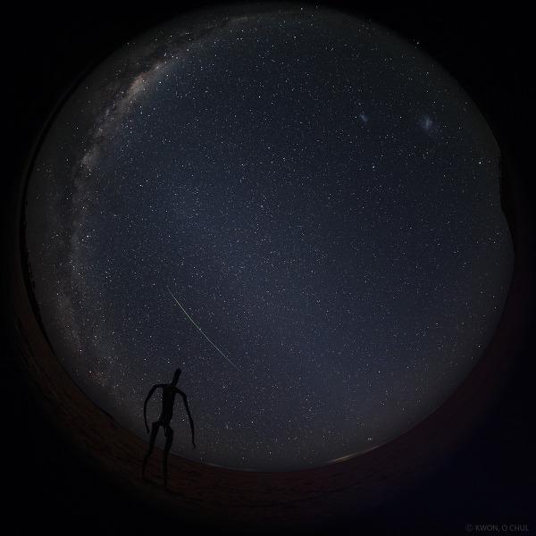 페르세우스 유성 하나. 은하수와 대일조, 그리고 대소 마젤란 은하