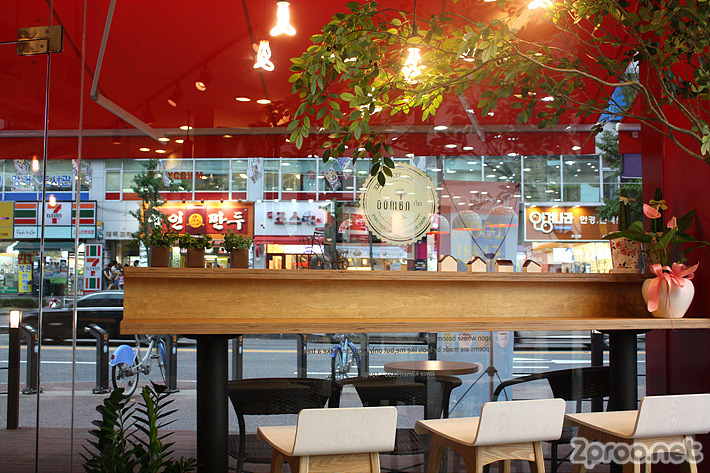 카페 나무 내부 사진