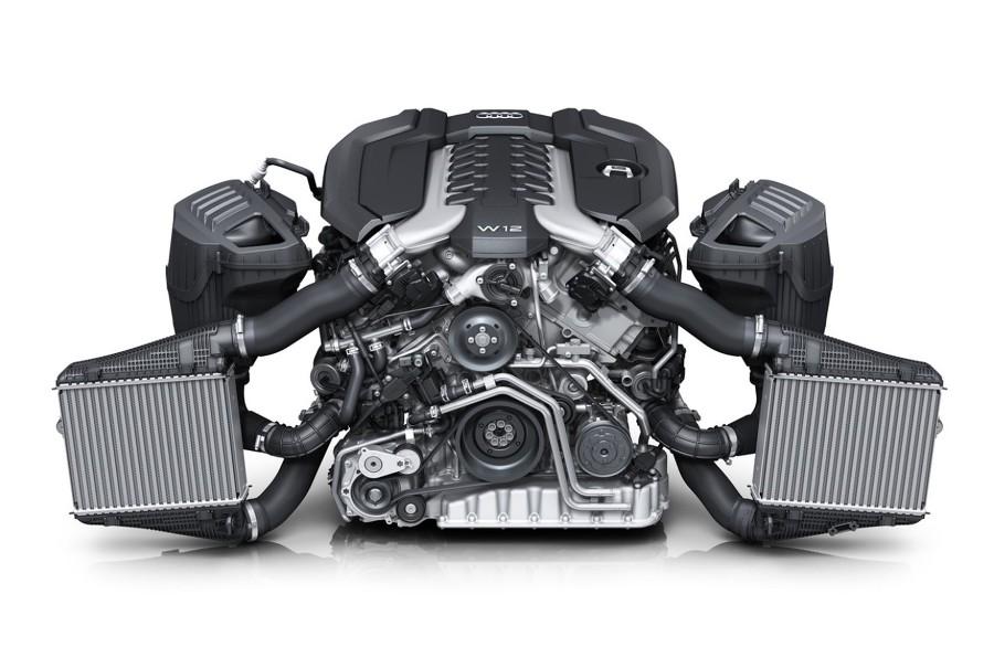 2018 아우디 A8 6.0 엔진