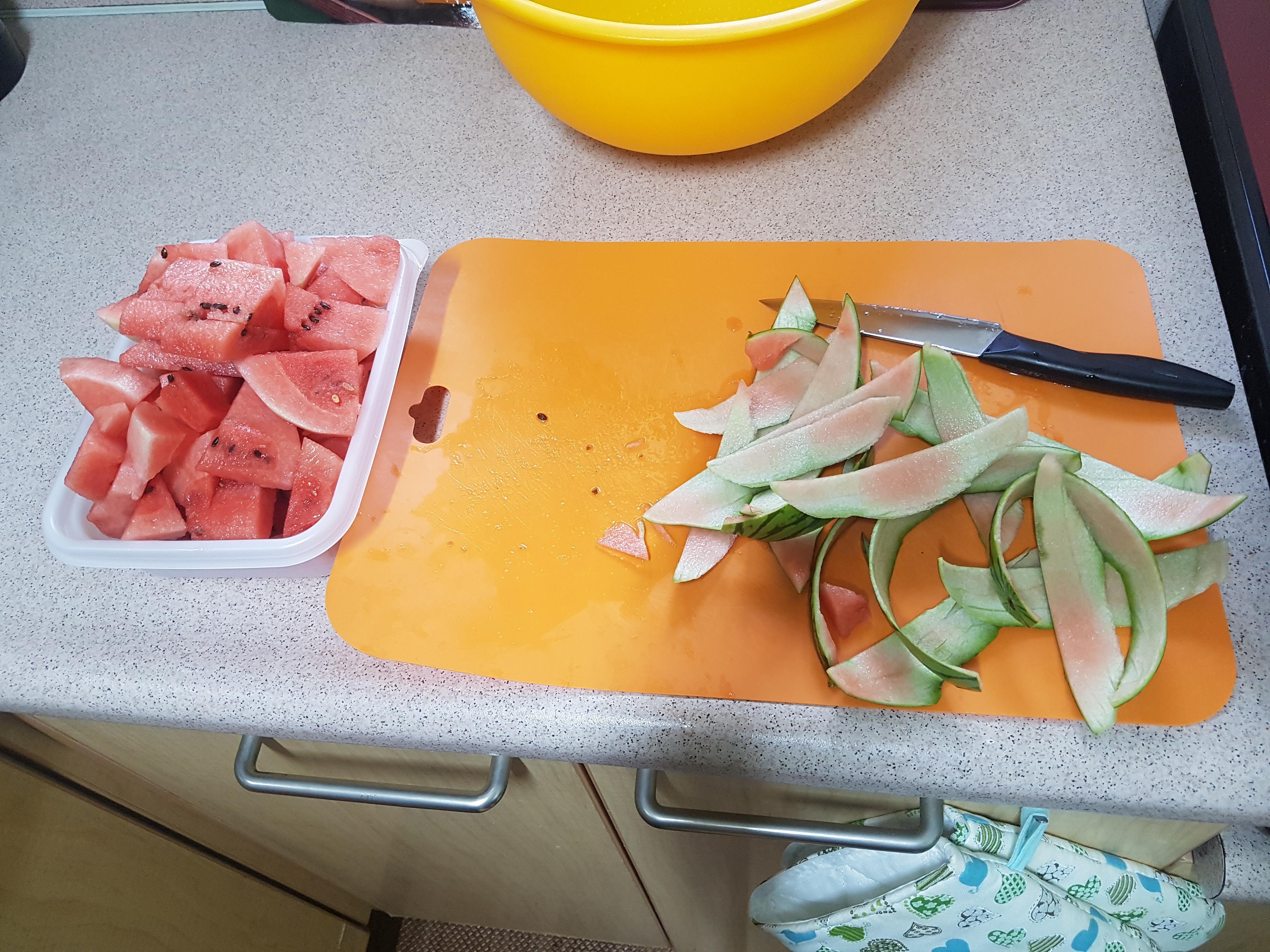 애플수박, 과일칼로 깍아 먹을 수 있는 애기 머리만한 작은 수박