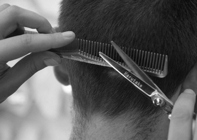 Barber-comb-haircut