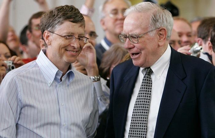 사진: 세계적인 갑부, 억만장자 1위와 3위인 빌 게이츠와 워런 버핏은 기부왕으로도 유명하다. 이 두명의 기부액은 지금까지만 해도 60조 원이 훨씬 넘는다. [빌 게이츠와 워런 버핏의 롤모델 척 피니]