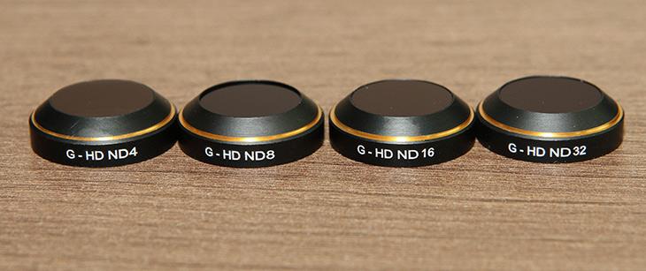 매빅 프로, ND 필터 ,PGYTECH FOR MAVIC PRO ,FILTER,IT,IT 제품리뷰,상당히 고급형 제품을 소개 합니다. 원래 이런쪽에서 유명한 제품이네요. 매빅 프로 ND 필터 PGYTECH FOR MAVIC PRO FILTER를 써 봤는데요. 검은색의 외형에 금테두리를 둘러싼 제품 입니다. 매빅 프로 ND 필터는 보통 ND8이나 ND16을 쓰면 좋습니다. 아주 햇빛이 강할때에는 ND32도 쓸 수 는 있는데 근데 실제로 써보니 ND32는 좀 강한 녀석이네요. Mavic Pro는 전자식셔터와 ISO 만으로 조절되게 되어있는데요. 조리개 값을 조절하지 못하는 이유로 너무 햇빛이 강할 때에는 너무 셔터스피드가 올라가므로 이런 필터를 쓸 수 도 있습니다.